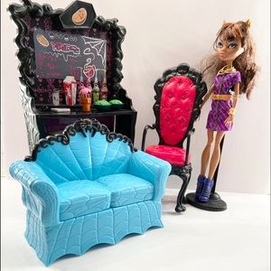 Monster High- Clawdeen's Coffin Bean Playset